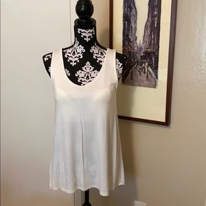 NWT Lyssé Tank Top with Integrated Bra